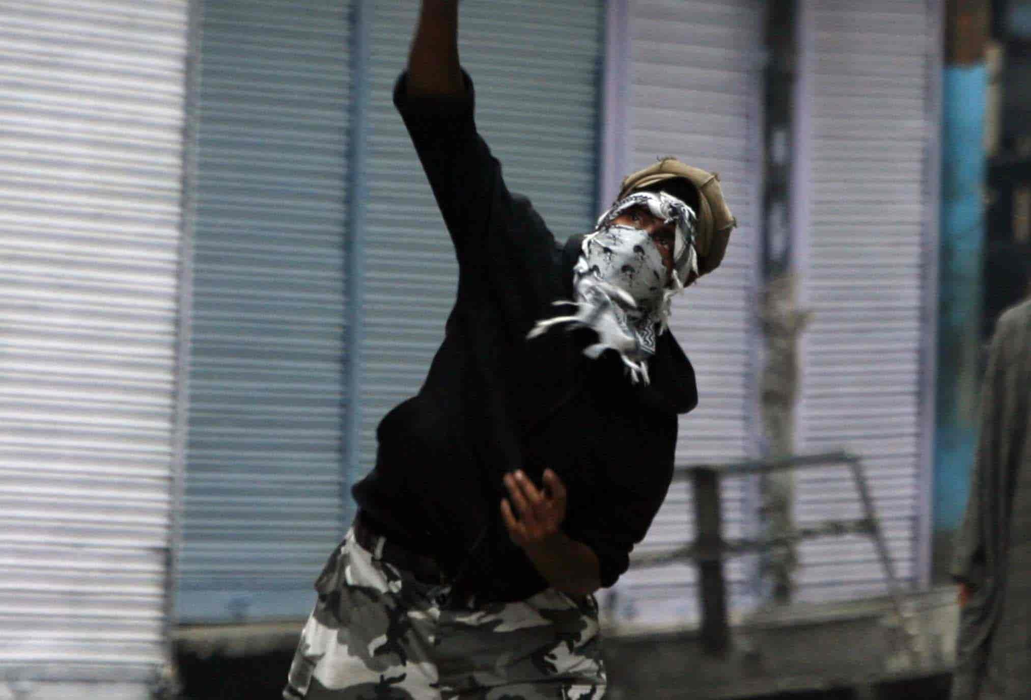 Kashmir Stone Nude Photos 14