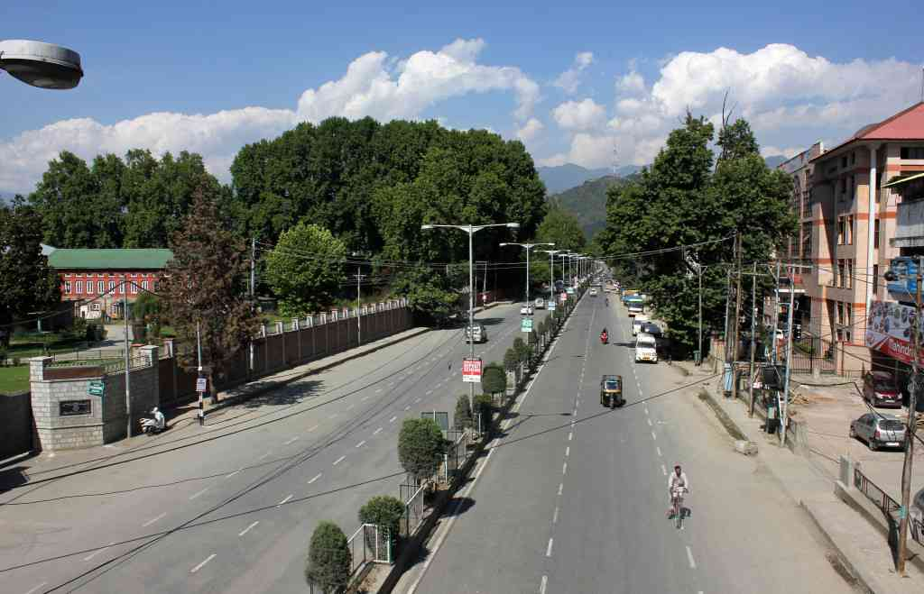 Complete shutdown in Kashmir Valley on 17 June 2015.