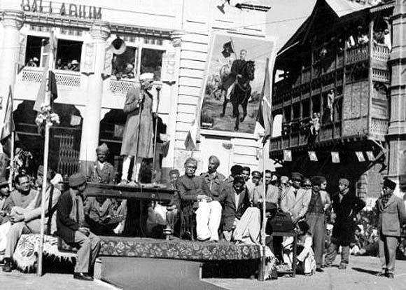 Sheikh Abdullah and Nehru