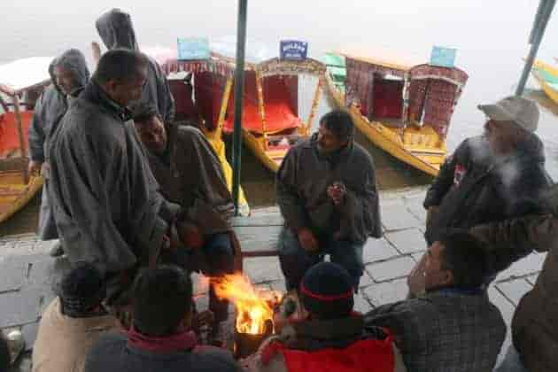 Kashmir freezes,,valley shivers,kashmir, weather in kashmir, kashmir news, kashmir live,