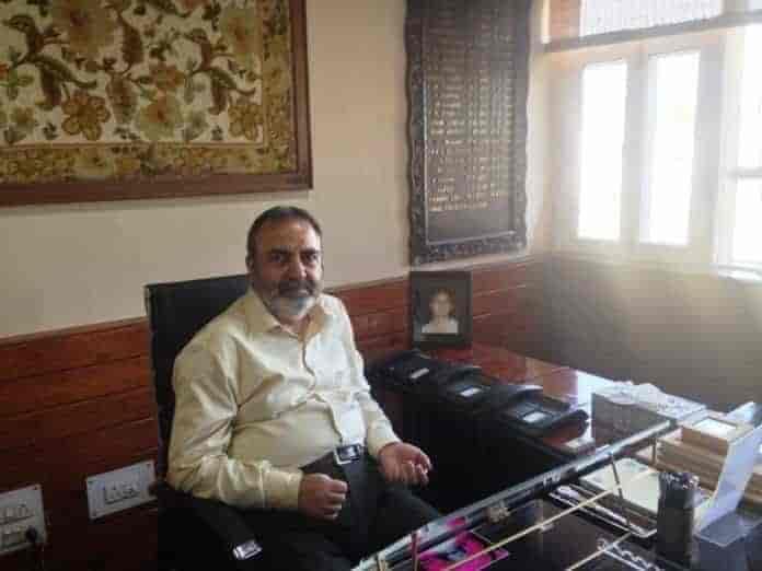 omar,mehbooba,iqbal khanday, kashmir, chief secretary