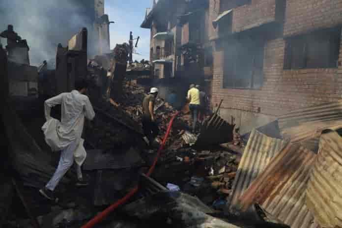 Junaid sehrai, houses damaged gunfight, kashmir homes, homes in kashmir, Kashmir, kashmir gunfight, srinagar gunfight